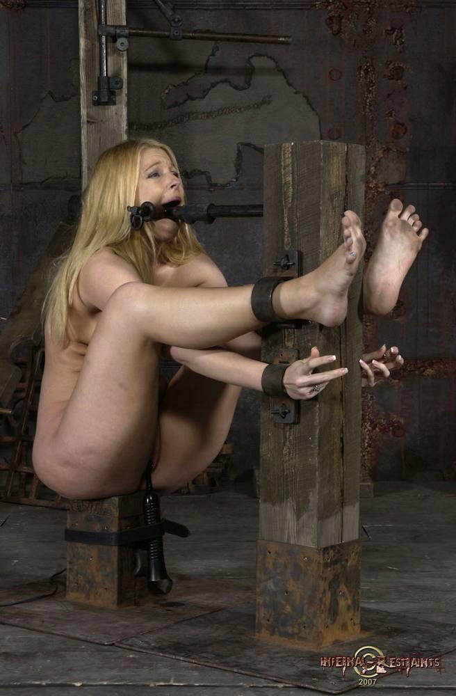 Смотреть порно подчинение в анал 7 фотография