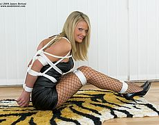sexy Jasmine Sinclair rope tied